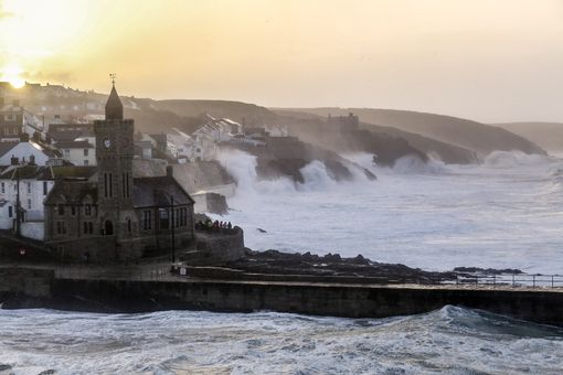 Storm-Brian-Porthleven-1