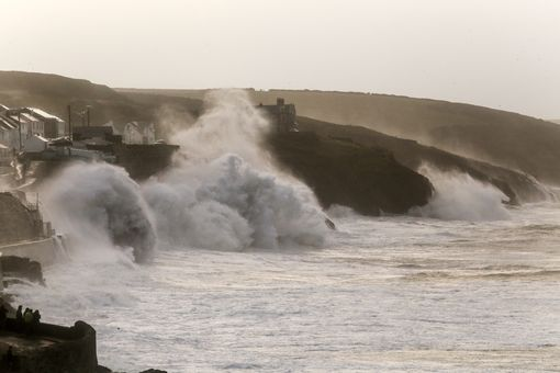 Storm-Brian-Porthleven-2